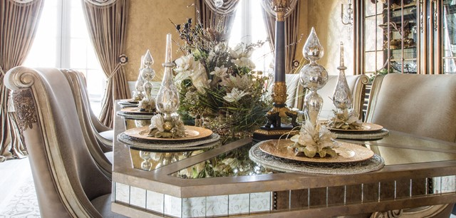 Set Your Table With Holiday Decor
