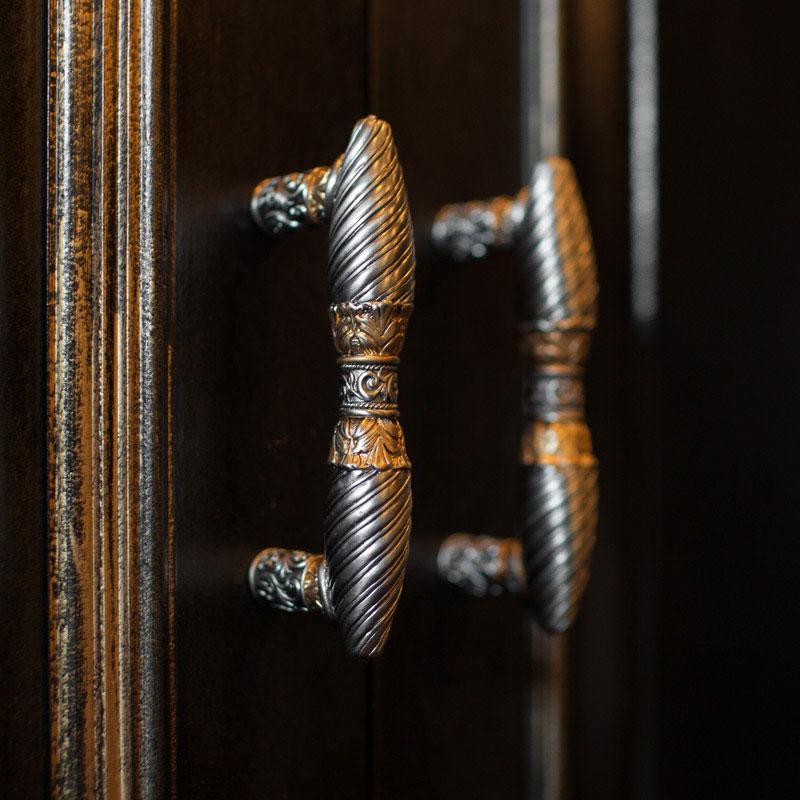 Hand Painted Luxury Cabinet Hardware
