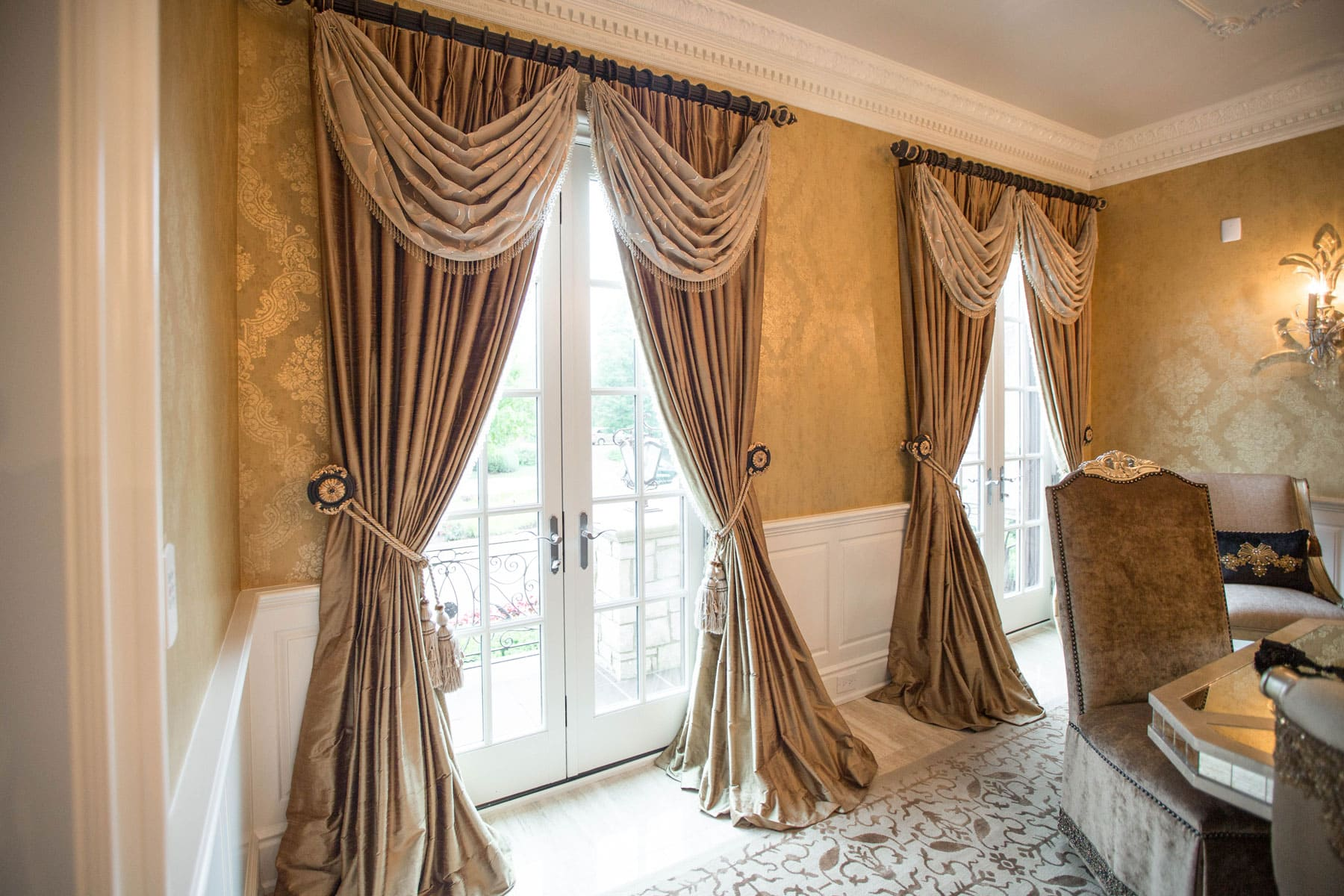 Custom window treatments projects linly designs for Dining room window treatments