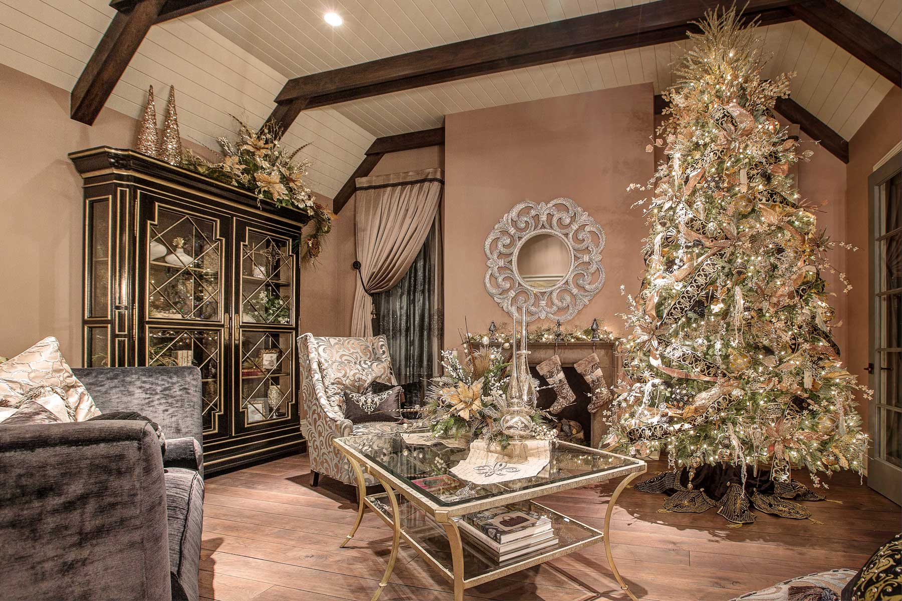 Christmas home decor linly designs - Pictures of homes decorated for christmas on the inside ...