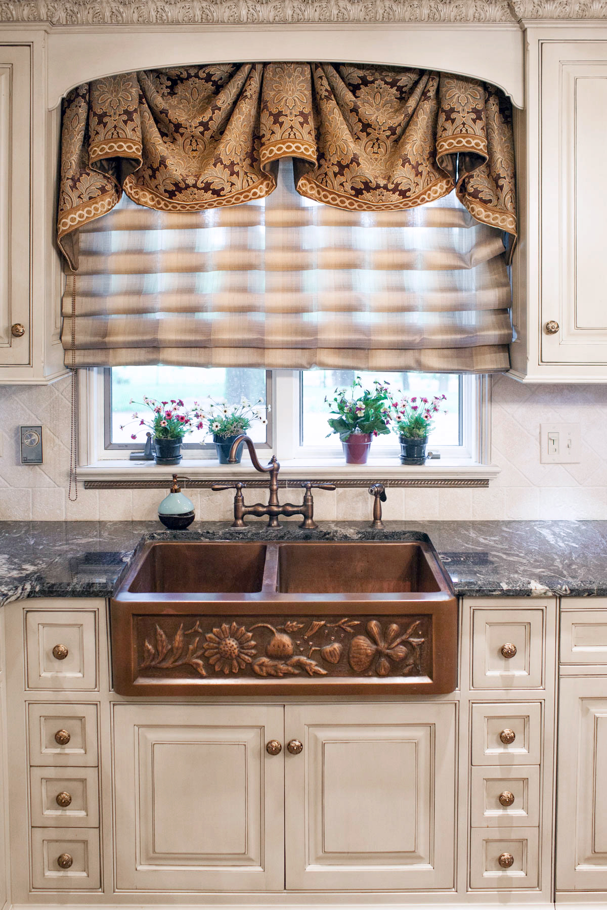Custom window treatments for Best window treatments for kitchens