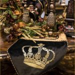christmas-table-runner-black-and-gold-with-crown