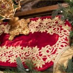 christmas-table-runner-red-and-gold