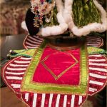 green-red-and-gold-christmas-table-runner