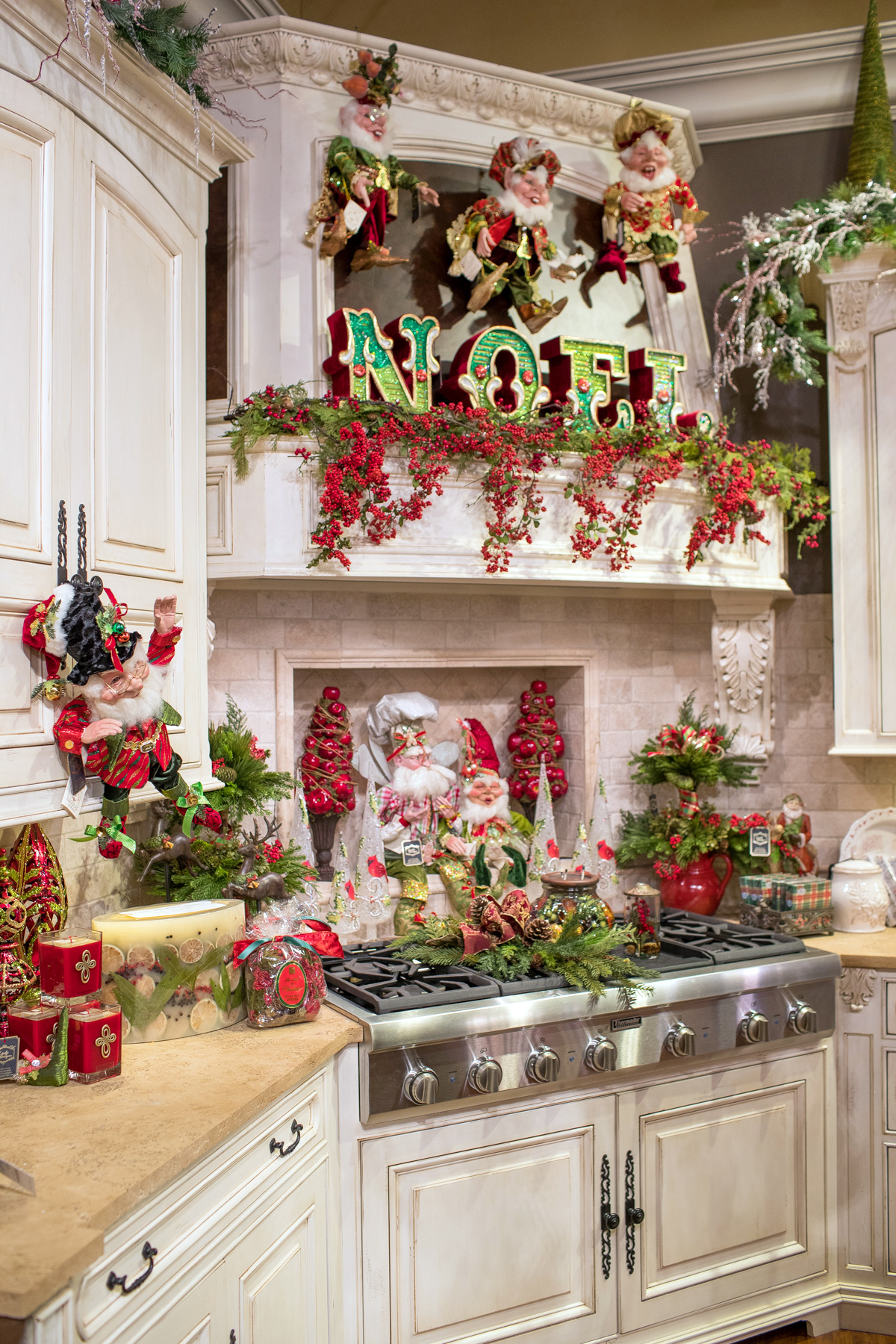 2016 holiday open house Christmas decorating themes