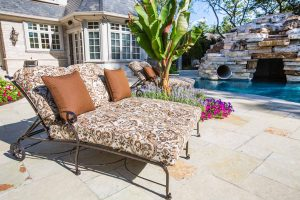 Outdoor-cushion-lounge-chair-2