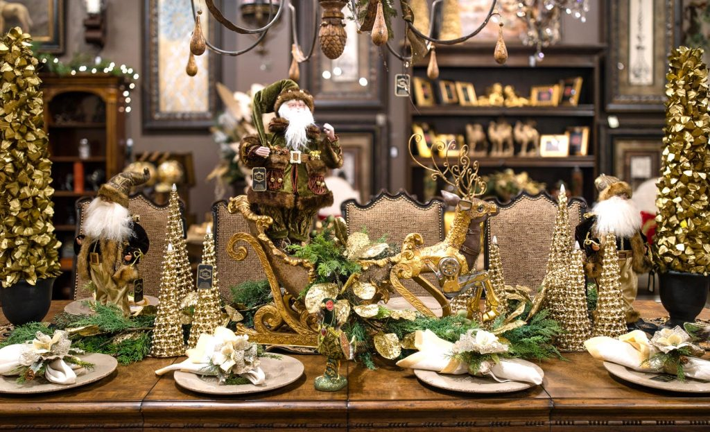 Christmas Dining Room Table Centerpiece