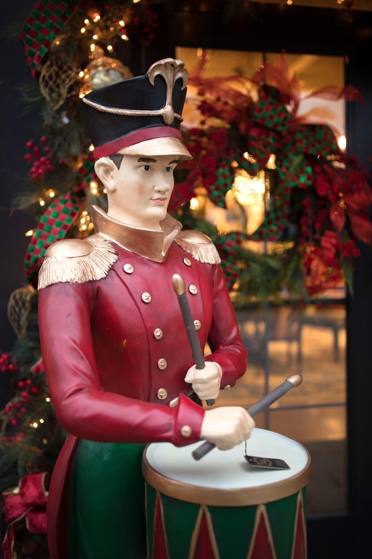 Custom Outdoor Christmas Decorations 2