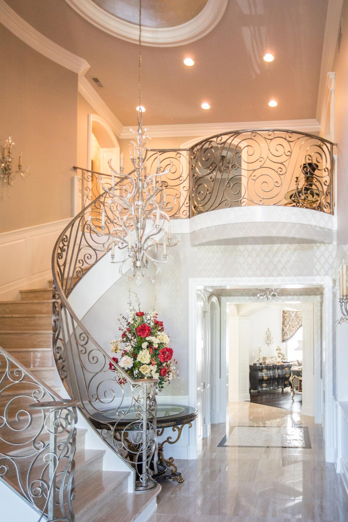 Foyer Furniture And Decor : Luxury home foyer decor and furniture
