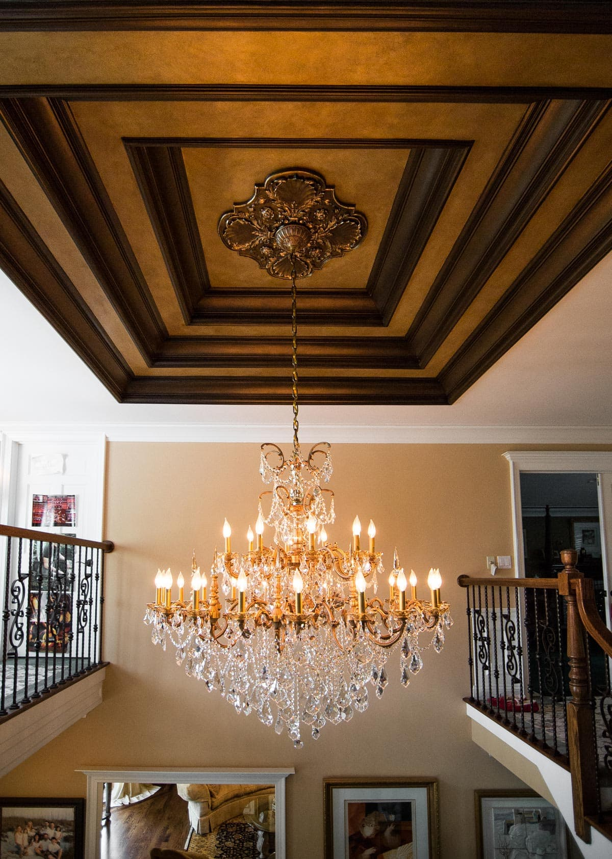 Luxury Home Foyer Decor and Furniture 4