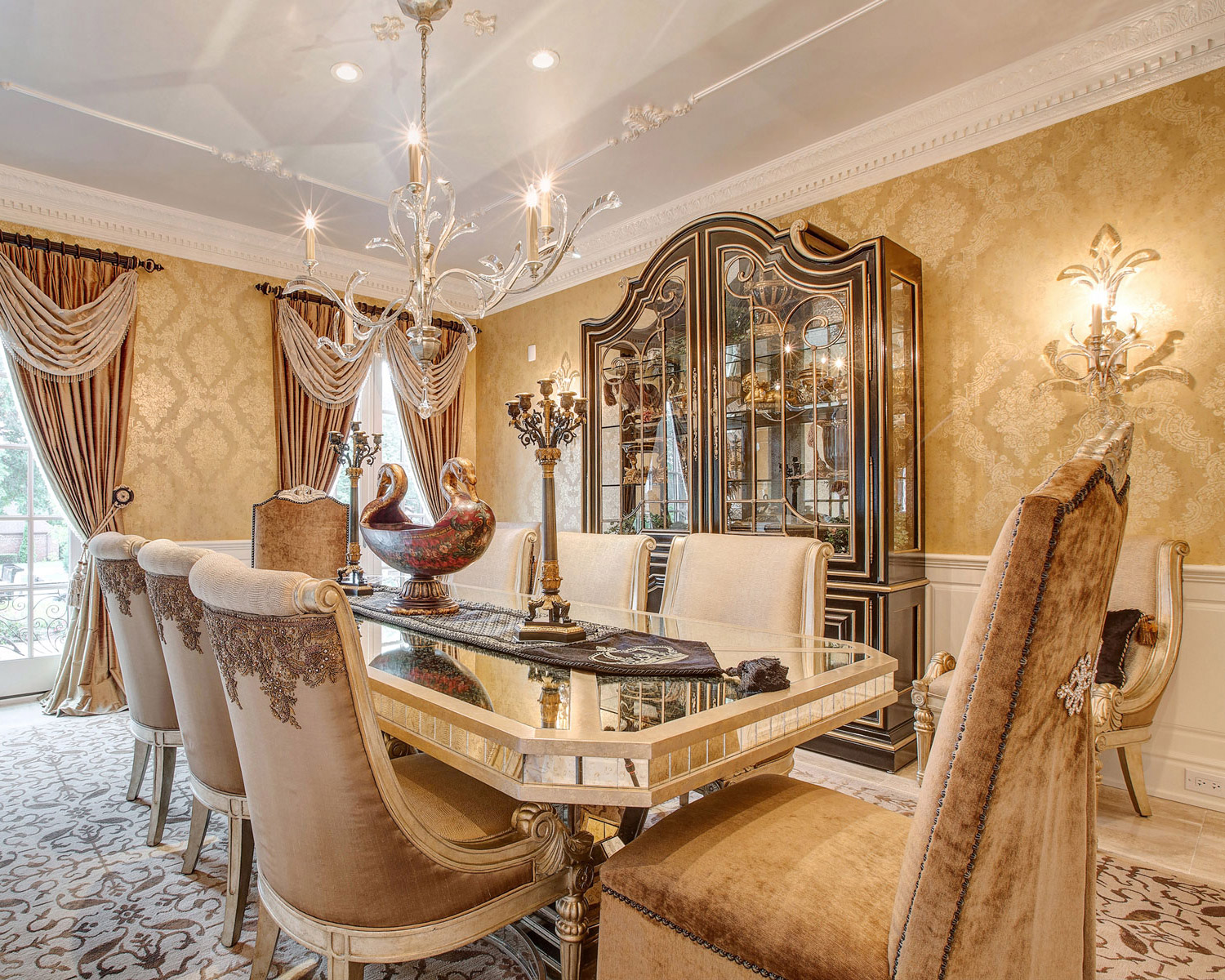 Custom-Marge-Carson-Dining-Room-Design-2