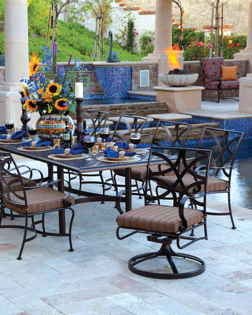 Linly-Designs-Luxury-Outdoor-Furniture-2