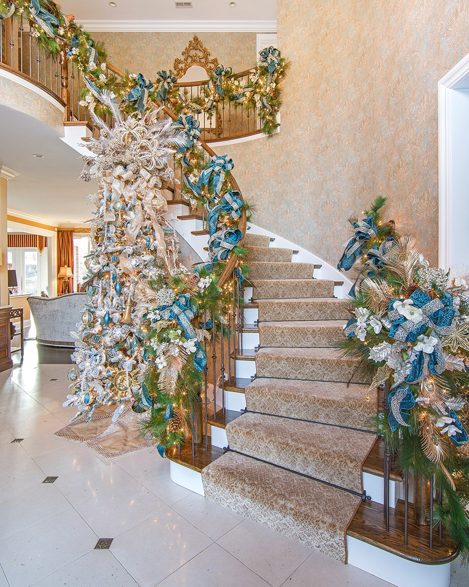 Schedule Your Holiday Decorating