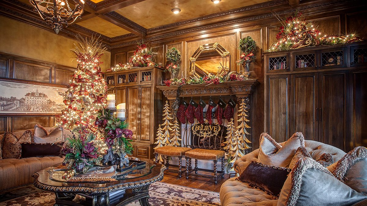 , Schedule Your Holiday Decorating