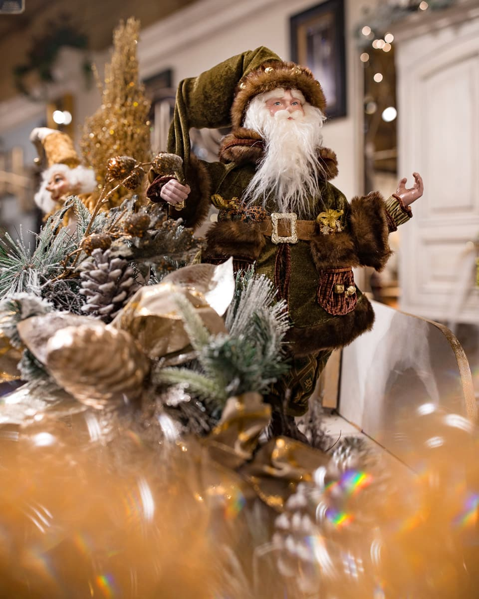 , Santa Claus has arrived at Linly Designs