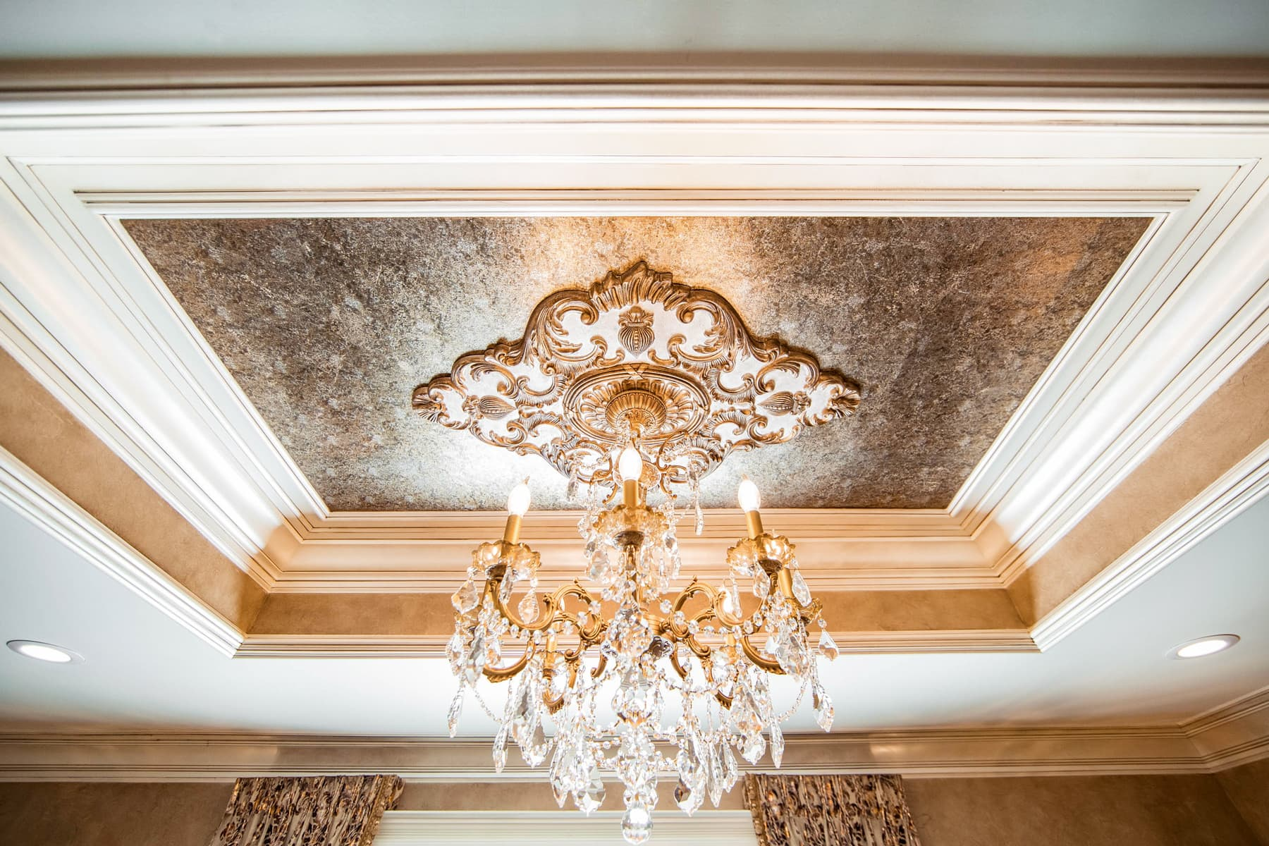 Decorative Ceiling Painting and Luxury Finishing