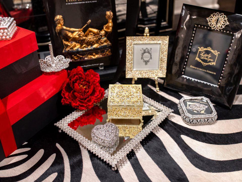 Luxury Valentines Day Gifts 8