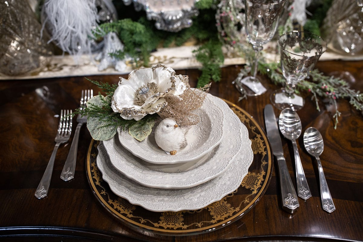 White Christmas Table Setting