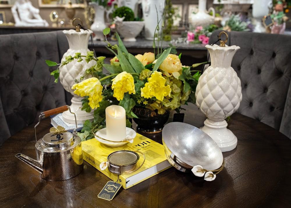 Spring-Flower-Dining-Room-Setting