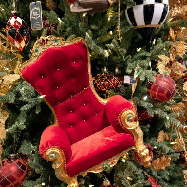 Luxury Royal Red and Gold Velvet Throne Chair Ornament Beautiful Christmas Tree Decorating Ideas
