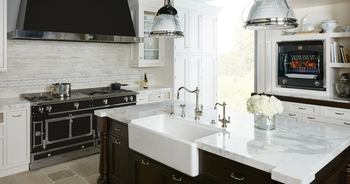 La Cornue Luxury Black and White Kitchen Oven and Stove Ranges in a Beautiful Contemporary and Modern Kitchen Design
